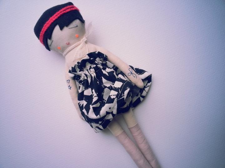 poupée au ruban